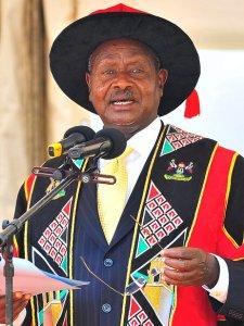 Yoweri_Museveni_vert-55c423835707c0682e86ef45290036ae79267e7b-s3-c85